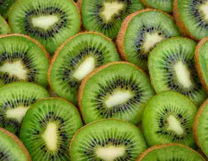 What Does Kiwi Taste Like? Does Kiwi Taste Good?
